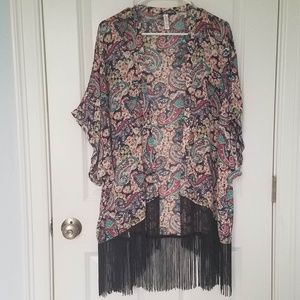 Beautiful printed cover up. Very stylish